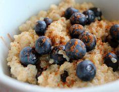 Desayuno con quinoa y arándanos receta