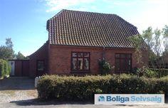 Fjællebrovejen 5, Ulbølle, 5762 V. Skerninge - 2 etagers rødstenshus fra 1930 i Ulbølle på Sydfyn #villa #ulbølle #vskerninge #selvsalg #boligsalg #boligdk