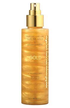 In love with this luxurious lotion that completely protects and revitalizes the hair, bringing it renewed youth.