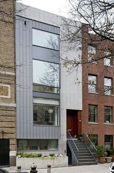 New Brooklyn rownhouse takes cues from neighbors but with modern structure and style