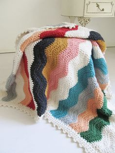 crochet double crochet blanket with granny border. stitching crochet blanket I love simple & clean patchwork like this! Crochet Blanket Border, Crochet Ripple, Crochet Afgans, Crochet Motifs, Manta Crochet, Knit Or Crochet, Crochet Crafts, Crochet Stitches, Crochet Projects