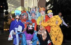Festival Internacional de la Máscara en Malasia. Visite nuestra página y sea parte de nuestra conversación: http://www.namnewsnetwork.org/v3/spanish/index.php #nnn #bernama #mascara #festival #cultura #malasia #kl #klcc #news #noticias #selfie #fotos #costumes #vestuario