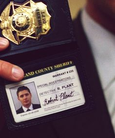 Fake FBI badge...Only the Winchesters #Supernatural