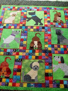 Definitely not the dogs, but I love the patchwork sashing. Dog Quilts, Cute Quilts, Animal Quilts, Panel Quilts, Quilt Blocks, Quilt Studio, Quilting Projects, Quilting Designs, Sewing Projects