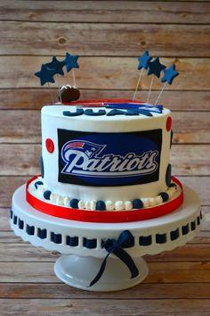 New England Patriots Cake! [via: https://www.facebook.com/alittlecakeshop]
