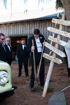 digging up the buried bourbon | Jennings King #wedding