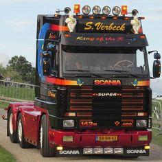 #scania #143M #450 #V8 #4serie #sverbeek #scaniabiler #vabis #vrachtwagen #lorry #lkw #V8truck #V8power #super #specialtruck #wittedraaier #trucklights #daglampen #yellowlights #oldskool #goinstyle #truckspotten #truckspotting #truckmeeting #nogharder #lopik #nogharderlopik #nogharderlopik2016 #myphoto #truckspotternl