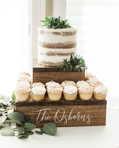 A rustic cake stand is the perfect platform for your beautiful wedding cake. This pairs perfectly with The Elizabeth Collection Rustic Birthday Cake, Wedding Cake Rustic, Rustic Cake, Beautiful Wedding Cakes, Rustic Wood, Diy Birthday, Birthday Cakes, Rustic Cupcake Stands, Rustic Cupcakes