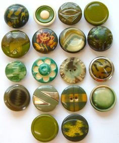 18 X 28mm Vintage Art Deco Green Tight Top Celluloid Buttons
