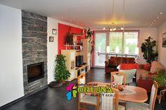 Obývací pokoj s krbovou vložkou - novostavba rodinného domu, Srubec u Českých Budějovic