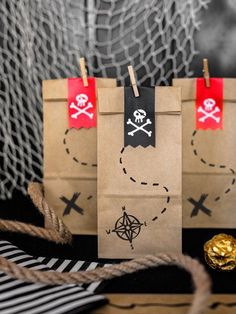 Let's Party – Pirate Party – Building Our Happily Ever After Pirate Party Bags, Pirate Treat Bags, Party Bags, Pirate Birthday Party, Boys party Decoration Decoration Pirate, Birthday Party Decorations Diy, Boy Birthday Parties, Pirate Halloween Decorations, Birthday Boys, Birthday Ideas, Deco Pirate, Pirate Kids, Pirate Party Favors
