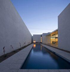 Modern Interpretation of the Neighborhood's Traditional Courtyard Architecture - InteriorZine