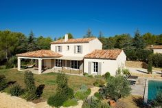 Esprit Mas moderne - Mas Provence, leader régional de la construction de maisons individuelles en région PACA et dans le Gard.