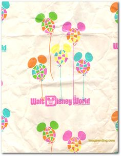 Vintage Walt Disney World Shopping Bag, this reminds be of when I was a little girl and my parents would buy me Disney souveniers  :)