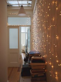 If you'd like to add a little sparkle to your interior, check out these bright indoor Christmas lighting ideas. Enjoy a festive feel inside too! #christmaslightsindoordecor