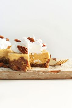 Save this healthy Thanksgiving dessert recipe to make Vegan Pumpkin Cheesecake.