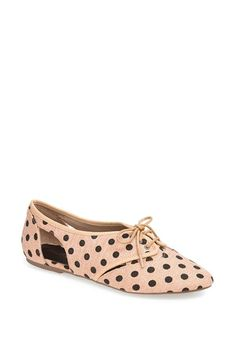 Cute polka dot flats!