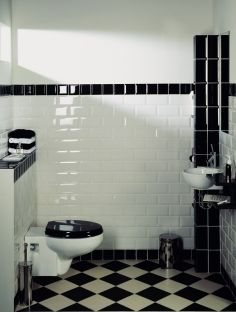 Floor tiles colour and placement. NO subway tiles! 1930s Bathroom, Art Deco Bathroom, Bathroom Wall, Small Bathroom With Shower, Downstairs Bathroom, 1930s House Exterior, Wc Retro, Black White Bathrooms, Laundry Room Design
