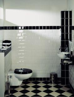 Jaren 30 huis met gerenoveerd toilet zwarte tegels met afgerodne bovenzijde granito vloer my - Voorbeeld deco badkamer ...
