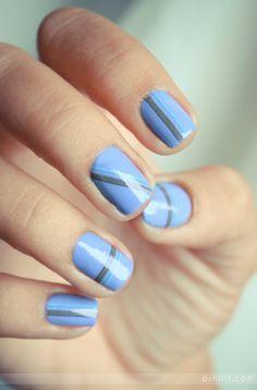 Uñas azules con rayas - Estilos que van con Mosca Footwear 2013