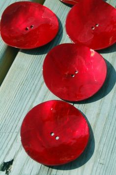 Red buttons.