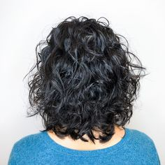 50 Gorgeous Perms Looks: Say Hello to Your Future Curls! Medium Curly Perm Bob Sure, the bushy perms Curled Hairstyles For Medium Hair, Short Permed Hair, Curly Perm, Black Hairstyles, Simple Hairstyles, Modern Hairstyles, Hairstyles Haircuts, Natural Hairstyles, Medium Layered Hair