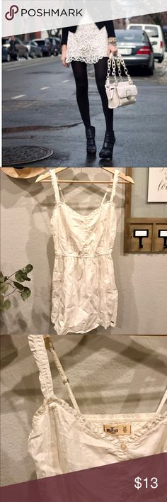 Hollister Mini White Dress NEW • Hollister Mini White Dress • Size XS • Will look great layered with leggings, a cardigan/jacket, and any kind of boots **note: first picture for outfit inspiration only** Hollister Dresses Mini