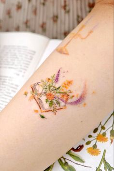 A collection of small tattoo ideas for men and women, small tattoo designs, mini tattoos and tattoo inspiration. Butterfly Tattoos For Women, Wrist Tattoos For Women, Small Tattoos For Guys, Small Wrist Tattoos, Sweet Tattoos, Mini Tattoos, Cute Tattoos, Body Art Tattoos, Small Book Tattoo