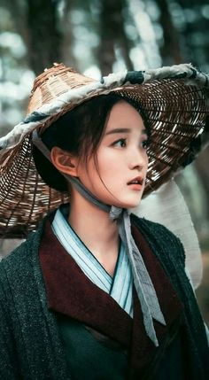 Alternate History, Chinese Actress, Asian Woman, Winter Hats, Cosplay, Actresses, Portrait, Women, Draw