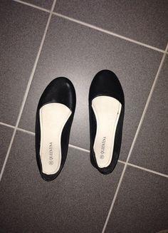 Kaufe meinen Artikel bei #Kleiderkreisel http://www.kleiderkreisel.de/damenschuhe/ballerinas/118559278-klassische-schwarze-ballerinas