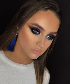 there's been a while since i used such deep intense blue and so i just had to use it- wouldnt you agree this is one of the colors that instantly grab one's attention? i used King Blue pigment by @makeupatelierparisofficial on the lid. My Advanced training course , Bucharest, Romania. #apropomakeupacademy #marialihacheva #визажист #школавизажа #цветноймакияж #макияжглаз #макияж #школамакияжа #смоуки #beauty #style #bridalmakeup #smokey #smokeyeyes #colormakeup #hudabeauty #toofaced #fa...