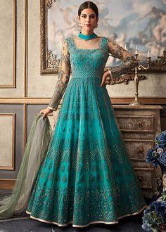 Looking to buy Anarkali online? ✓ Buy the latest designer Anarkali suits at Lashkaraa, with a variety of long Anarkali suits, party wear & Anarkali dresses! Robe Anarkali, Costumes Anarkali, Anarkali Suits, Punjabi Suits, Lehenga Blouse, Indian Salwar Kameez, Salwar Kameez Online, Patiala, Sharara