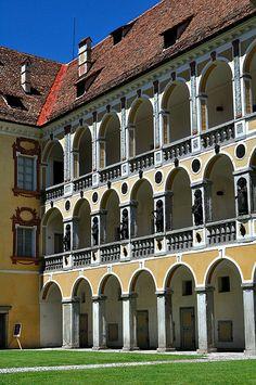 Brixen, Hofburg / Bressanone, Palazzo Vescovile | Flickr - Photo Sharing!