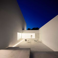House in a Pine Forest by Fran Silvestre Arquitectos (26)