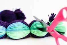 Christmas colors in yarn for Pom Pom garland. flax & twine: Making Pompoms in Bulk Yarn Crafts, Diy And Crafts, Crafts For Kids, Arts And Crafts, Kids Diy, Crochet Projects, Sewing Projects, Craft Projects, Craft Ideas