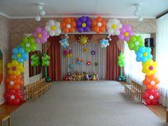 flower Ballon arch party!!! sooo pretty!!!!!!!!!