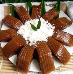 Indonesian Desserts, Indonesian Food, Asian Snacks, Asian Desserts, Spicy Recipes, Cake Recipes, Cooking Recipes, Simple Recipes, Asian Cake