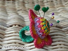 crocheted finger pincushion / remember to insert something inside to keep from stabbing finger with pins (small piece of round plastic?)