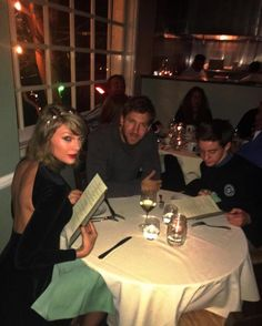 This Fan Crashed Taylor Swift and Calvin Harris' Dinner and Got Creative With the Picture