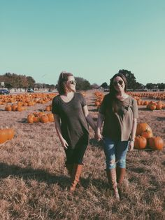 Pumpkin patch picture best friend