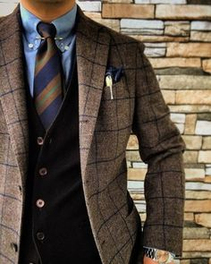 Mens Fashion Suits, Mens Suits, Gentleman Style, Dapper Gentleman, Brown Suits, Three Piece Suit, Well Dressed Men, Suit And Tie, Business Outfits