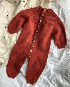 Ravelry: Anker's Onesie pattern by PetiteKnit Knitting For Kids, Baby Knitting Patterns, Baby Patterns, Onesie Pattern, Cute Pattern, Winter Baby Clothes, Cute Baby Clothes, Crochet Baby, Knit Crochet