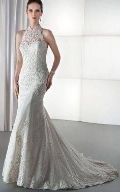 Vestido con cuello halter y aplicaciones brillantes  2013 #novia #romántica