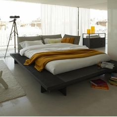 Ligne Roset Maly Bed