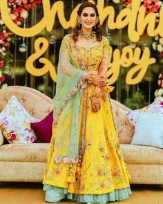 Party Wear Indian Dresses, Designer Party Wear Dresses, Indian Bridal Outfits, Indian Designer Outfits, Wedding Outfits, Designer Clothing, Latest Bridal Dresses, Wedding Lehenga Designs, Function Dresses