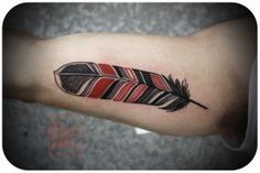 feather tattoo by David Hale - Design of Tattoos Hawk Tattoo, Deer Tattoo, Raven Tattoo, Feather Tattoos, Tattoo Ink, Feather Art, Phoenix Feather, Tribal Feather, Armor Tattoo