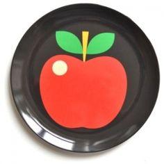 Lautanen omena musta, 7,50 Näitä mahtuis meidän kaappiin useampikin. ;)
