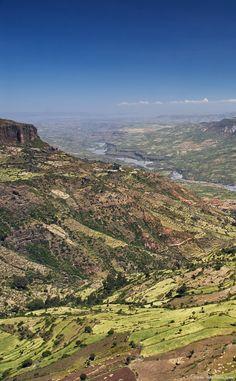 De l'Éthiopie au Mozambique en passant par le Kenya, cette gigantesque crevasse entaille le continent, sur près de 6 000 kilomètres.
