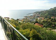 http://www.immobiliarelereve.it/immobili-In+prima+collina+localit+monte+nero++casa+indipendente+con+terreno+di+circa+1800+metri-633.html#.UujOaHcuLFw