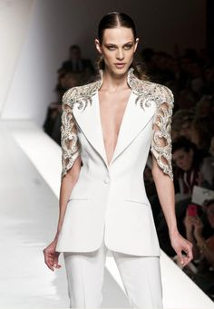 Art has no end but its own perfection.. Sarli Couture   #sarlicouture #sarli #couture #fashion #beautiful #tailored #handmade #madeinitaly #model #fashionshow #beauty #glamour